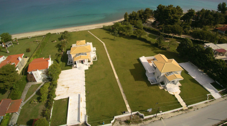 Beachfront Villa at Polychrono, Halkidiki 5