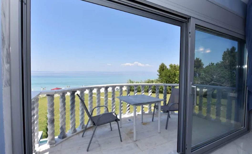 Beachfront Villa at Polychrono, Halkidiki 8