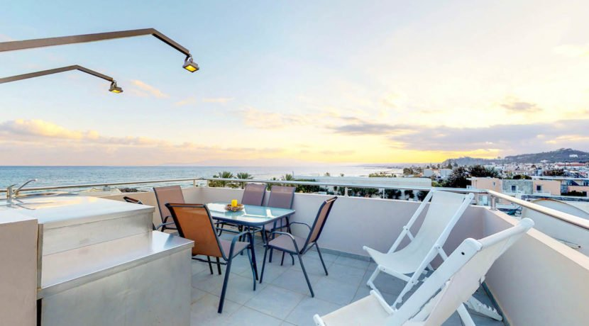 Seafront Villa with Roof Top Pool at Chania Crete for Sale, Villa with pool Crete, Property for sale in Crete, Greece property for sale by the beach 4