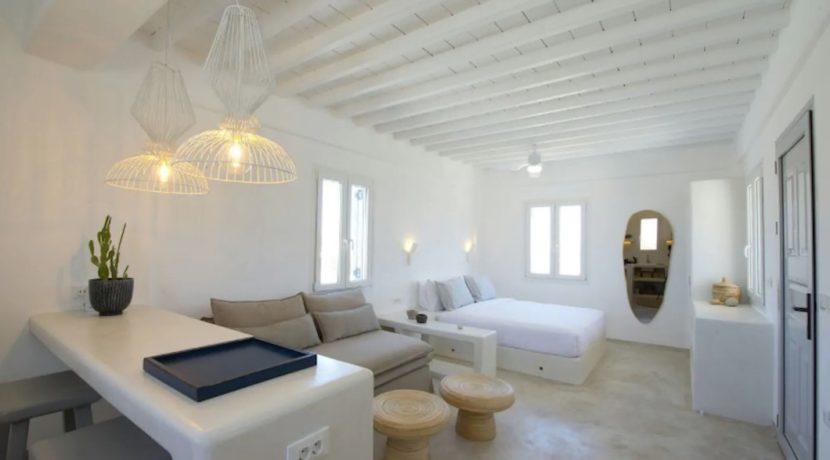 Small Villa near Super Paradise Beach - Ideal for EU Golden Visa 1