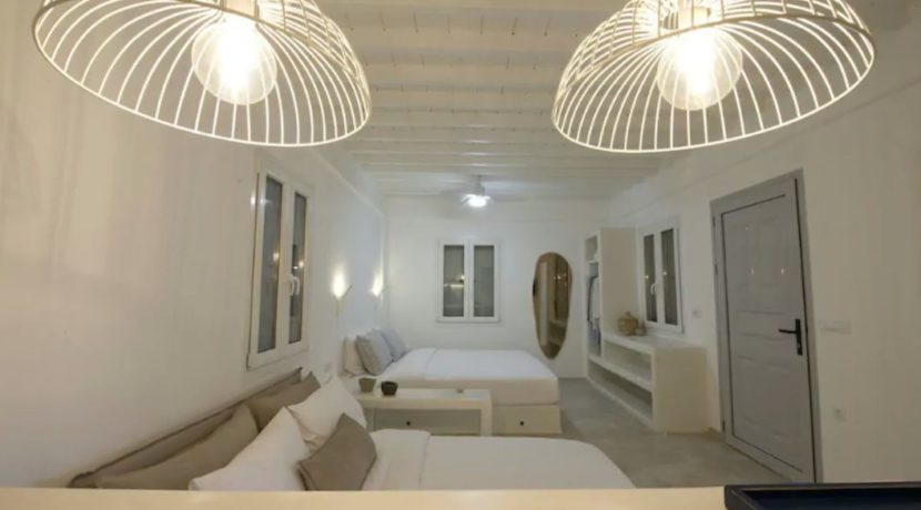 Small Villa near Super Paradise Beach - Ideal for EU Golden Visa 10