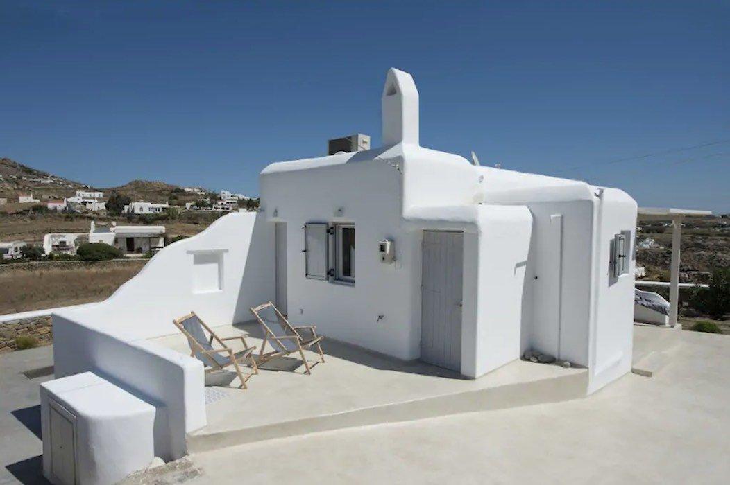 Small Villa near Super Paradise Beach – Ideal for EU Golden Visa