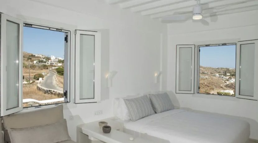 Small Villa near Super Paradise Beach - Ideal for EU Golden Visa 2