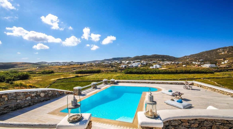 Villa in Ftelia Mykonos for sale