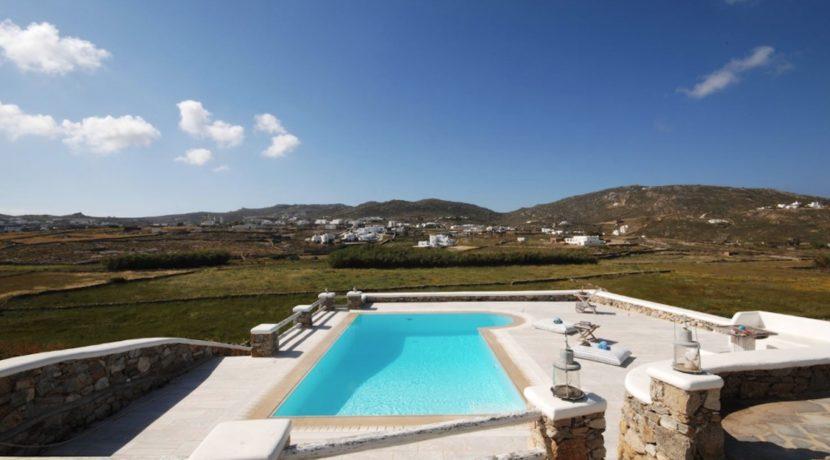 Villa in Ftelia Mykonos with 3 BDR 16