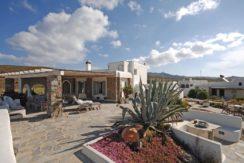 Villa in Ftelia Mykonos with 3 BDR 3