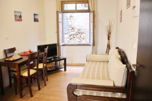 18th century restored guest house in Chania Old Town b3