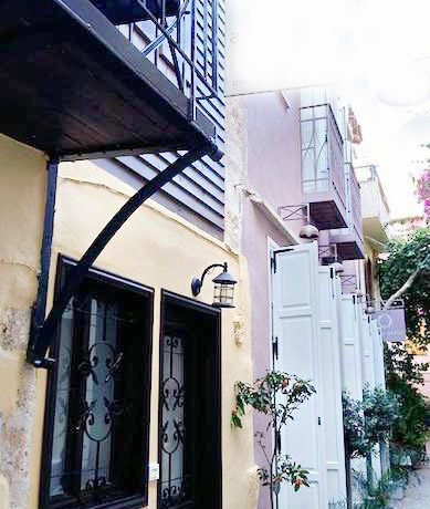 18th century restored guest house in Chania Old Town b6
