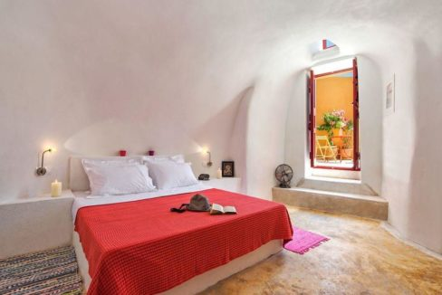 House for sale in Finikia, Santorini 1