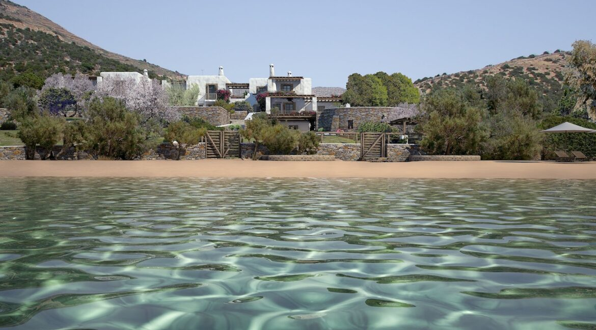 House for sale in Paros on the Beach