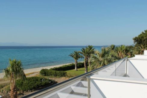 Kassandra Luxury beachfront villa at Chanioti 11