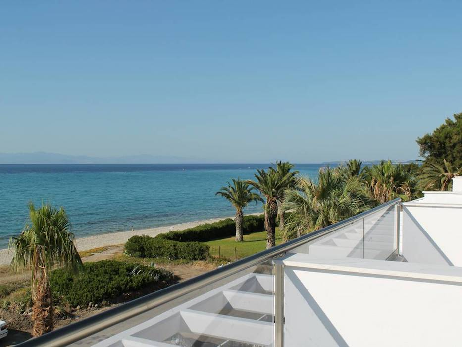 Kassandra Luxury beachfront villa at Chanioti