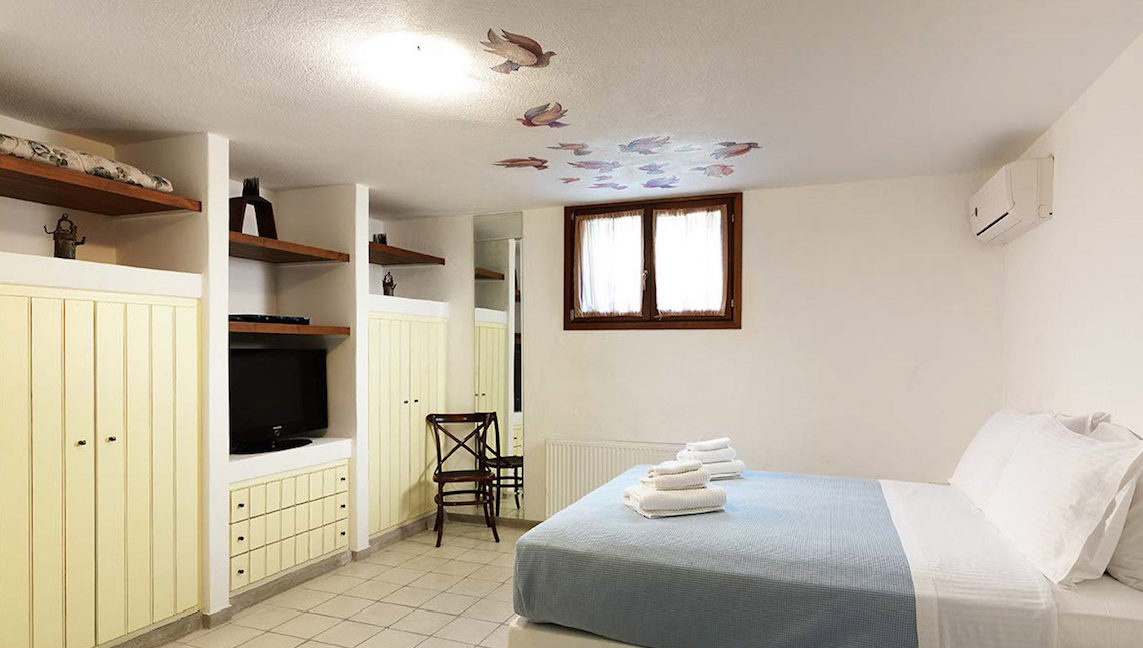 Paros villa for sale, Greece, Seafront Property in Paros for sale, Greek Villas, House in Greece, Top Villas in Paros, Paros Real Estate 1