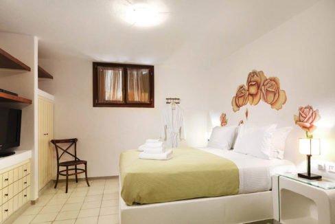 Paros villa for sale, Greece, Seafront Property in Paros for sale, Greek Villas, House in Greece, Top Villas in Paros, Paros Real Estate 5