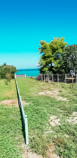 Seafront House at Pefkohori Halkidiki for sale 11