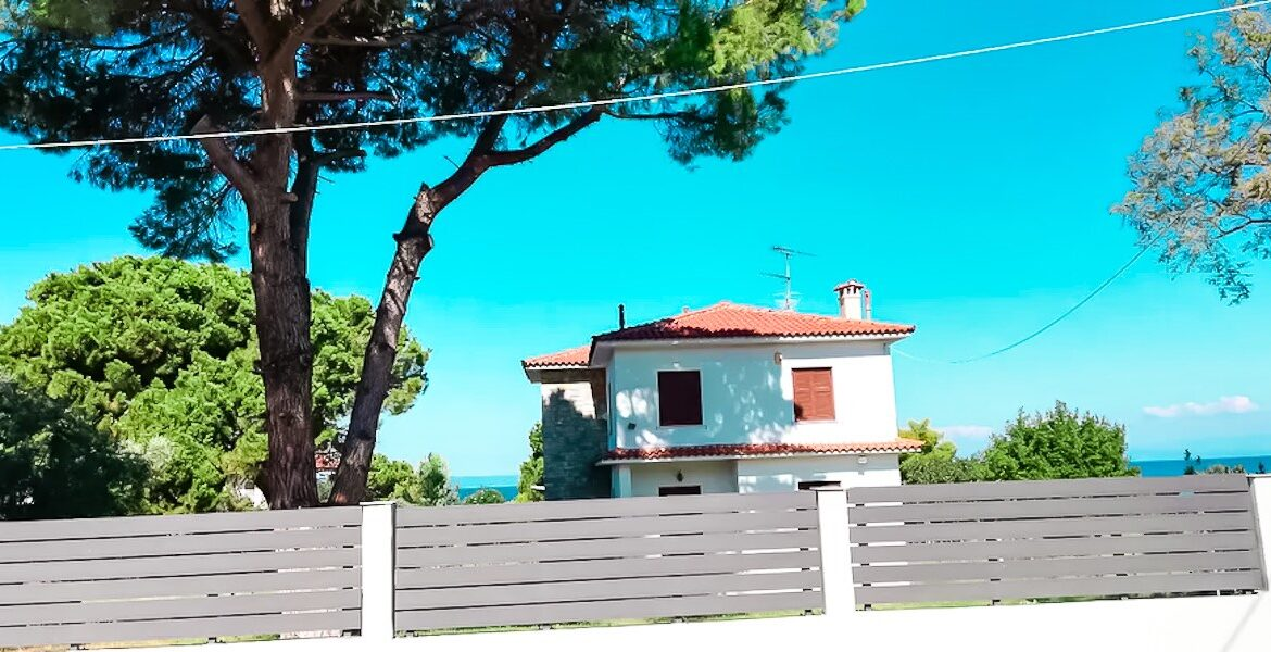 Seafront House at Pefkohori Halkidiki for sale 16