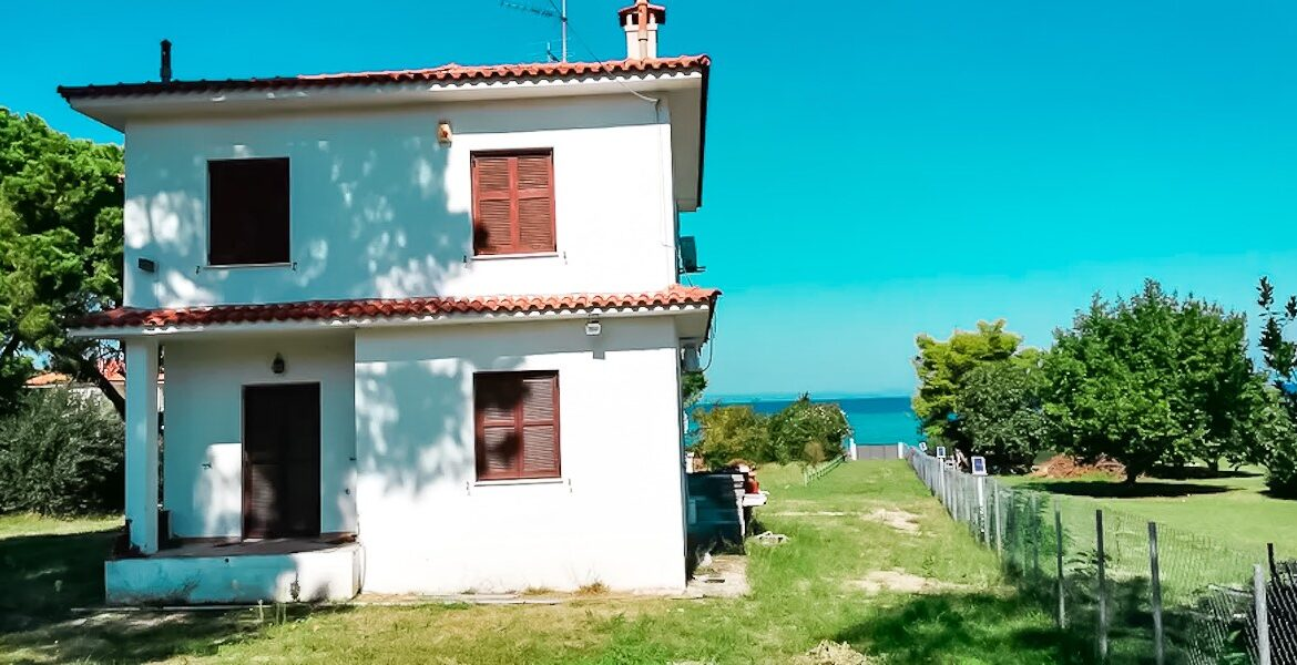 Seafront House at Pefkohori Halkidiki for sale 19