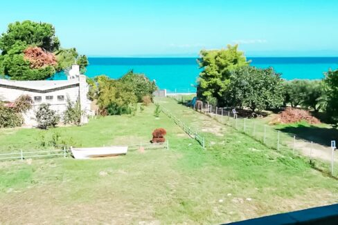 Seafront House at Pefkohori Halkidiki for sale 4