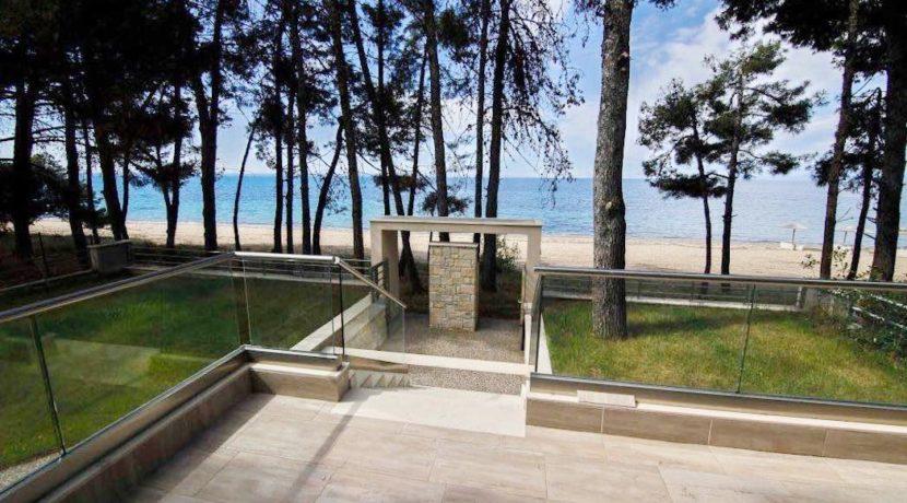 Sithonia Luxury beachfront villa 3
