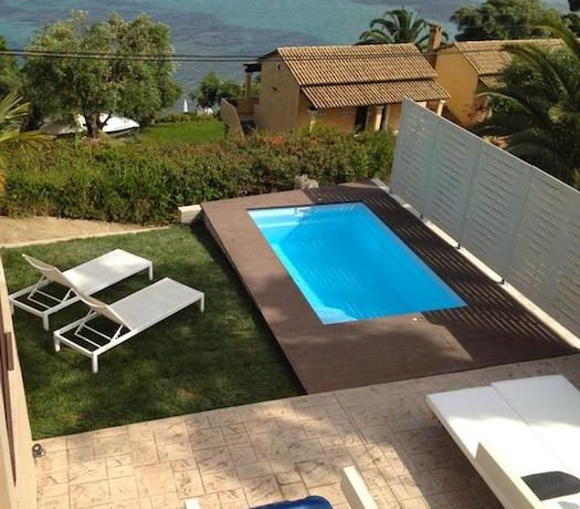 Complex of 5 small seafront villas in Corfu for sale 10