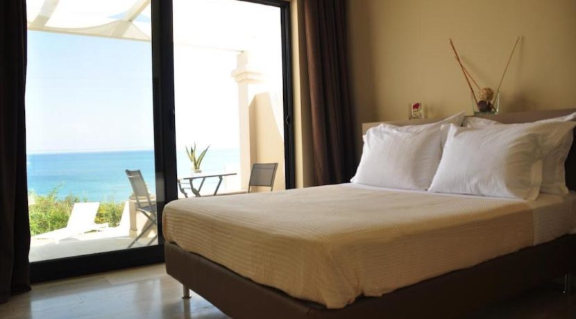 Complex of 5 small seafront villas in Corfu for sale 3