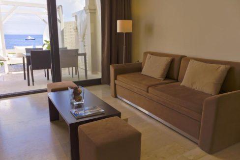 Complex of 5 small seafront villas in Corfu for sale 9