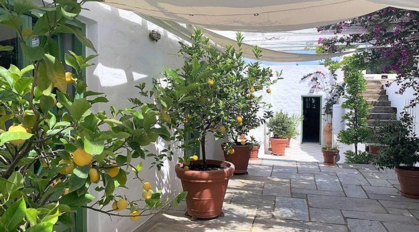 Excellent Villa in Paros for sale 2