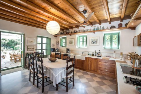 Excellent Villa in Paros for sale 8