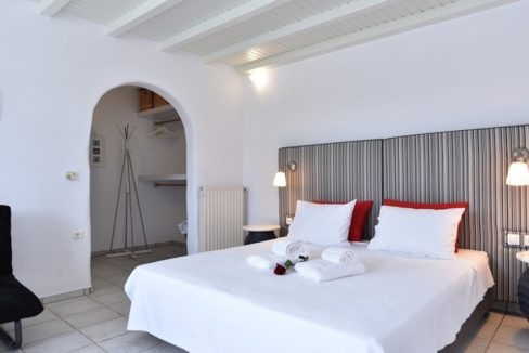 House for sale in Paros 22