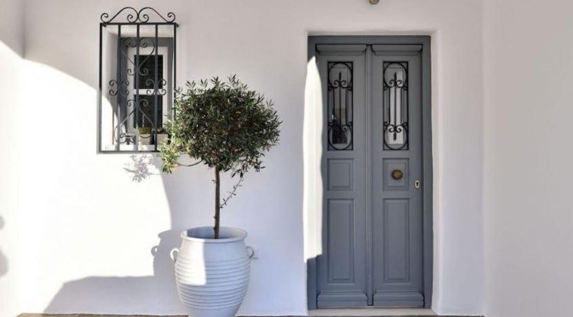 House for sale in Paros 3