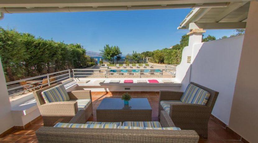 Seafront Villa in Avlaki Corfu 13
