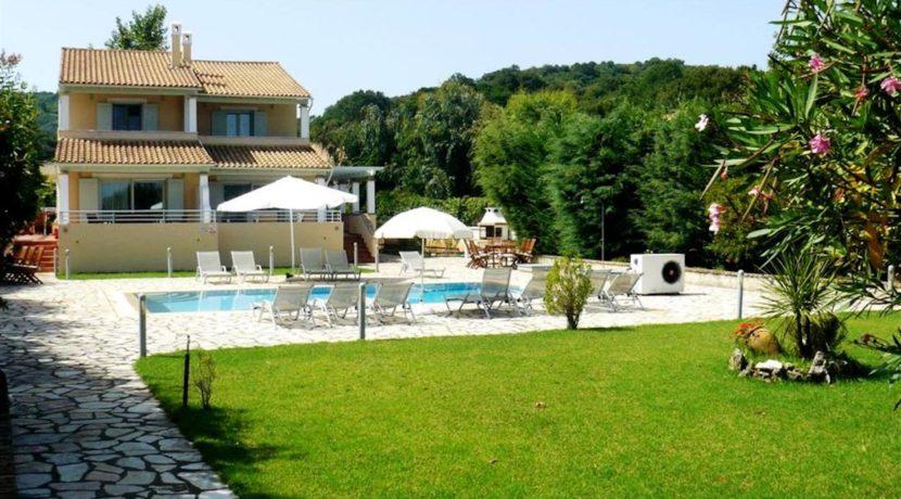 Seafront Villa in Avlaki Corfu 17