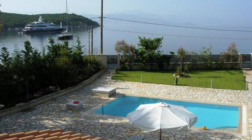 Seafront Villa in Avlaki Corfu 18