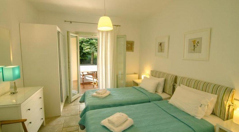 Seafront Villa in Avlaki Corfu 7