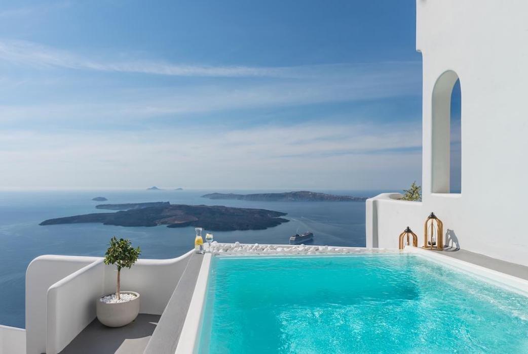 Villa For Sale in Santorini Island
