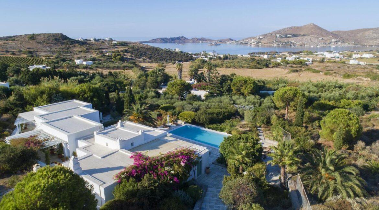 Villa in Paros 1