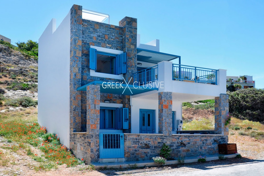 Waterfront Villa with sea view in Crete, Real Estate in Crete, Seafront house in Crete for Sale 3