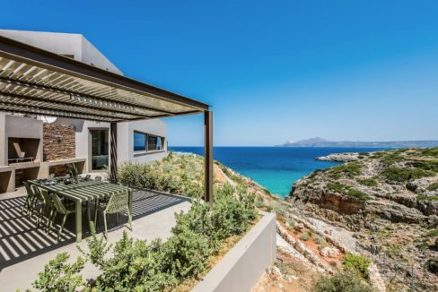 Amazing Seafront Villa in Crete. Property for sale in Crete Chania, property for sale in Greece beachfront, luxury waterfront homes for sale in Greece 14