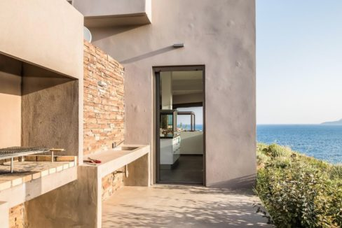 Amazing Seafront Villa in Crete. Property for sale in Crete Chania, property for sale in Greece beachfront, luxury waterfront homes for sale in Greece 15