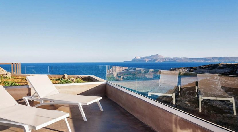 Amazing Seafront Villa in Crete. Property for sale in Crete Chania, property for sale in Greece beachfront, luxury waterfront homes for sale in Greece 2