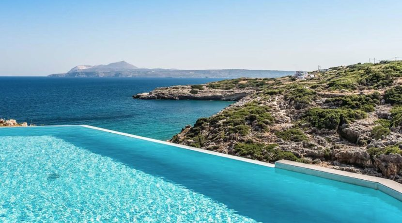 Amazing Seafront Villa in Crete. Property for sale in Crete Chania, property for sale in Greece beachfront, luxury waterfront homes for sale in Greece 21
