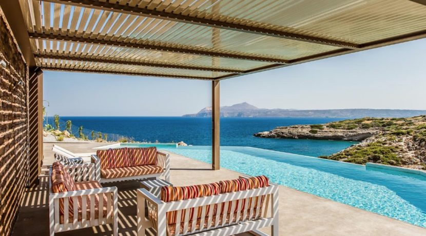 Amazing Seafront Villa in Crete. Property for sale in Crete Chania, property for sale in Greece beachfront, luxury waterfront homes for sale in Greece 22