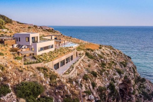 Amazing Seafront Villa in Crete. Property for sale in Crete Chania, property for sale in Greece beachfront, luxury waterfront homes for sale in Greece 28