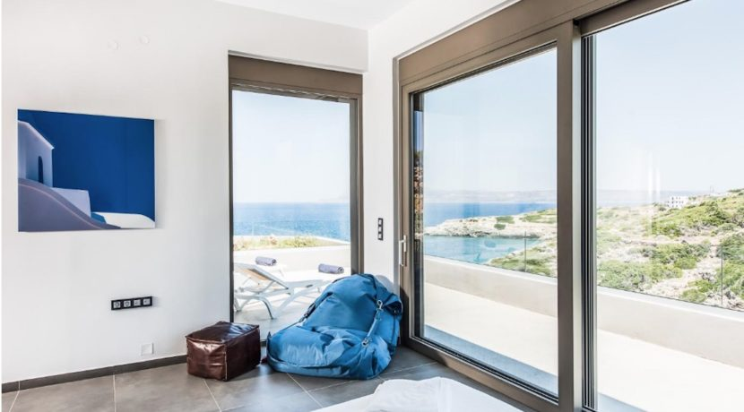 Amazing Seafront Villa in Crete. Property for sale in Crete Chania, property for sale in Greece beachfront, luxury waterfront homes for sale in Greece 3