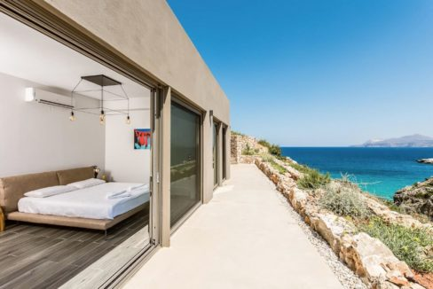 Amazing Seafront Villa in Crete. Property for sale in Crete Chania, property for sale in Greece beachfront, luxury waterfront homes for sale in Greece 4