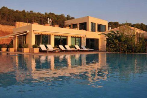 Seafront Villa Porto Heli, Peloponnese. Luxury property for sale Peloponnese, Peloponnese property for sale, Greece property for sale by the beach 1
