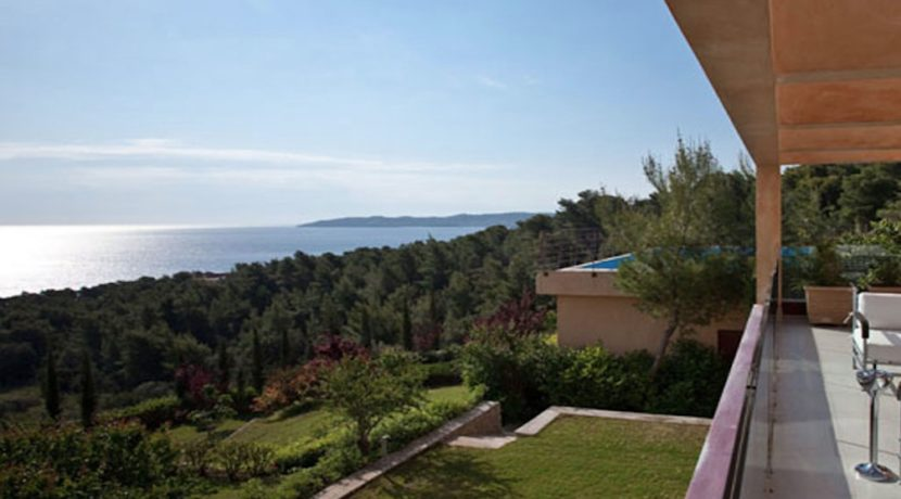 Seafront Villa Porto Heli, Peloponnese. Luxury property for sale Peloponnese, Peloponnese property for sale, Greece property for sale by the beach 13
