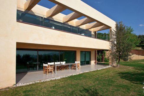 Seafront Villa Porto Heli, Peloponnese. Luxury property for sale Peloponnese, Peloponnese property for sale, Greece property for sale by the beach 14