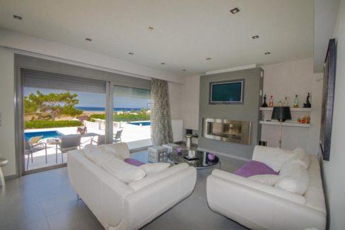 Seafront Villa near Ierapetra in Crete. Crete property for sale or rent 11