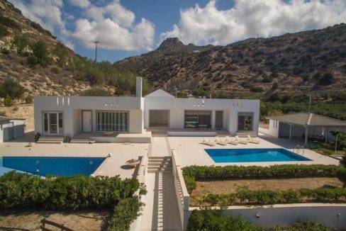 Seafront Villa near Ierapetra in Crete. Crete property for sale or rent 8